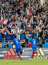 10.06.2016, Stade de France, St. Denis, FRA, UEFA Euro, Frankreich, Frankreich vs Rumaenien, Gruppe A, im Bild Tojubel 1:0 Olivier Giroud (FRA), Patrice Evra (FRA) // Tojubel 1:0 Olivier Giroud (FRA), Patrice Evra (FRA) during Group A match between France and Romania of the UEFA EURO 2016 France at the Stade de France in St. Denis, France on 2016/06/10. EXPA Pictures © 2016, PhotoCredit: EXPA/ JFK