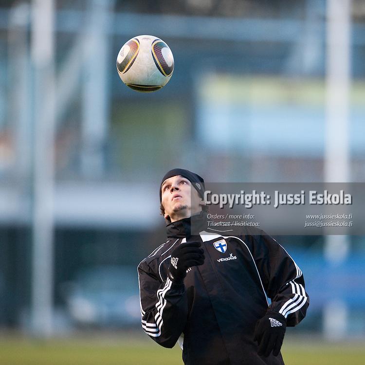 Roman Eremenko. A-maajoukkueen harjoitukset. Helsinki 7.10.2010. Photo: Jussi Eskola