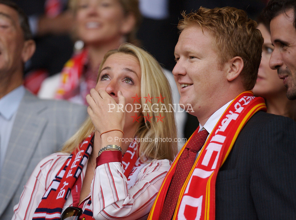 Liverpool, England - Sunday, August 19, 2007: xxxx, wife of xxxx, gets very emotional during the singing of You'll Never Walk Alone before the Premiership match against Chelsea at Anfield. (Photo by David Rawcliffe/Propaganda)