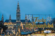 Rathaus, Wiener Christkindlmarkt, Frohe Weihnachten, Weihnachtsmarkt in Wien, Österreich, Wien