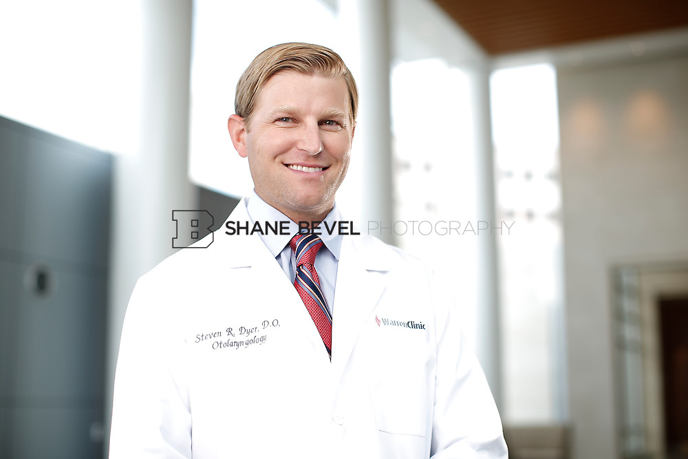 7/22/15 3:22:00 PM -- Dr. Steven Dyer poses for a portrait. <br /> <br /> Photo by Shane Bevel