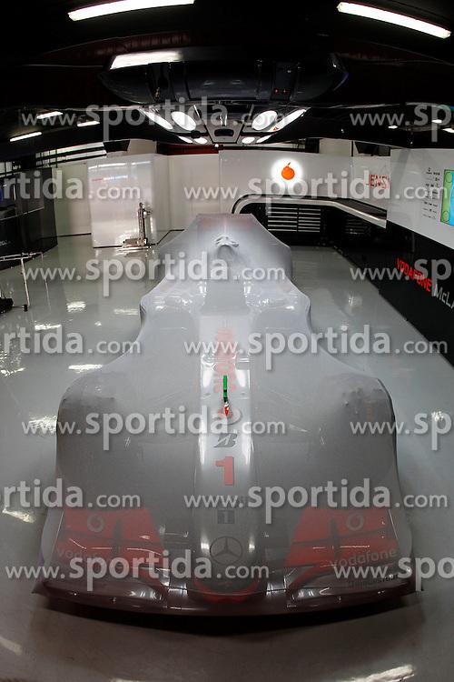 FORMEL 1: GP von Spanien, Barcelona, 08.05.2010<br /> Garage von McLaren, Illustration, Karosserie, Bolide, Rennwagen<br /> &Atilde;'&Acirc;&copy; pixathlon