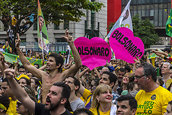 September 30, 2018 - Sao Paulo, Brazil - View of a demonstration in support of Brazilian right-wing presidential candidate Jair Bolsonaro at Paulista Avenue, in Sao Paulo, Brazil on September 30, 2018. (Credit Image: © Cris Faga/NurPhoto/ZUMA Press)