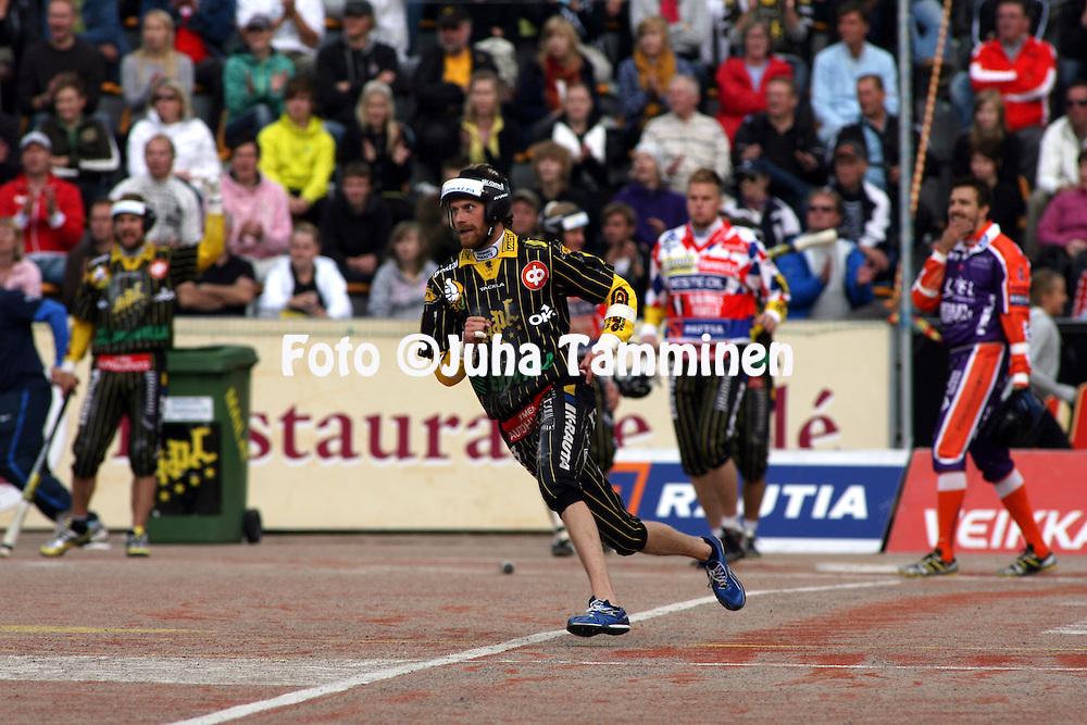 05.09.2009, Kouvola..Superpesis 2009, 1. loppuottelu.Kouvolan Pallonly?j?t - Sotkamon Jymy.Sami Karjala - KPL.©Juha Tamminen.