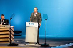 20.04.2016, Messe Essen, Essen, GER, Hauptversammlung RWE AG, im Bild Peter Terium (Manager und Vorstandsvorsitzender der RWE AG) // during the annual general meeting of RWE AG at the Messe Essen in Essen, Germany on 2016/04/20. EXPA Pictures © 2016, PhotoCredit: EXPA/ Eibner-Pressefoto/ Deutzmann<br /> <br /> *****ATTENTION - OUT of GER*****
