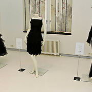 NLD/Amsterdam/20100512 - Opening expositie songfestivaljurken getiteld 'May we have your dress please?! , jurk van Justine Pelmelay, Anneke Grönloh en Ruth Jaccot