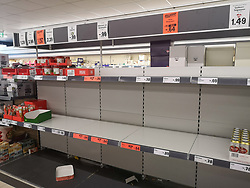 12.03.2020, Innsbruck, AUT, Coronavirus in Österreich, Hamsterkauf im Supermarkt, Die COVID-19 Pandemie ist ein Ausbruch der neuartigen Atemwegserkrankung COVID-19. Der Ausbruch war erstmals Ende Dezember 2019 in der Millionenstadt Wuhan der chinesischen Provinz Hubei auffällig geworden, entwickelte sich im Januar 2020 zur Epidemie in der Volksrepublik China und breitete sich weltweit aus, im Bild Leere Regale, Nudeln sind ausverkauft // during Empty shelves, pasta are sold out, the COVID-19 pandemic is an outbreak of the novel respiratory disease COVID-19. The outbreak had first become noticeable at the end of December 2019 in the city of Wuhan in the Chinese province of Hubei, developed into an epidemic in the People's Republic of China in January 2020 and spread worldwide. Innsbruck, Austria on 2020/03/12. EXPA Pictures © 2020, PhotoCredit: EXPA/ Erich Spiess