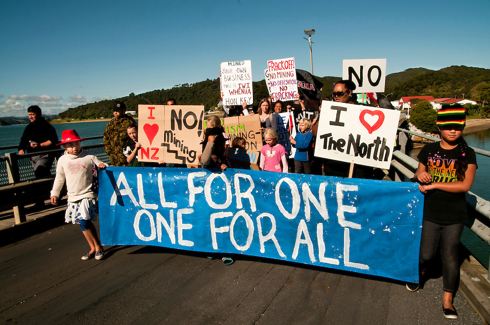 Demonstrators crossing the Waitangi Bridge to protest at the release of the Northland Region Aeromagnetic Survey 2012, Waitangi, Northland, New Zealand, May 23, 2012. Credit:SNPA / Malcolm Pullman