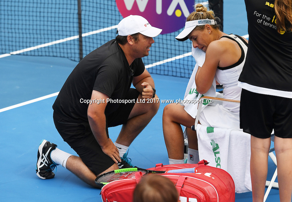 Wesley Whitehouse talks to Marina Erakovic during her first round singles match at the ASB Classic. WTA Womens Tournament. ASB Tennis Centre, Auckland, New Zealand. Tuesday 3 January 2017. © Copyright photo: Andrew Cornaga / www.photosport.nz