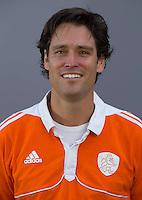 UTRECHT - Stijn van Roosendaal (assistent bondscoach) . Jong Oranje meisjes -21 voor EK 2014 in Belgie (Waterloo). COPYRIGHT KOEN SUYK