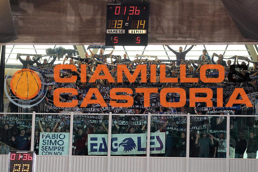 DESCRIZIONE : Varese Lega A 2010-11 Cimberio Varese Bennet Cantu<br /> GIOCATORE : Tifosi<br /> SQUADRA : Bennet Cantu<br /> EVENTO : Campionato Lega A 2010-2011<br /> GARA : Cimberio Varese Bennet Cantu<br /> DATA : 16/01/2011<br /> CATEGORIA : Palleggio<br /> SPORT : Pallacanestro<br /> AUTORE : Agenzia Ciamillo-Castoria/G.Cottini<br /> Galleria : Lega Basket A 2010-2011<br /> Fotonotizia : Varese Lega A 2010-11 Cimberio Varese Bennet Cantu<br /> Predefinita :