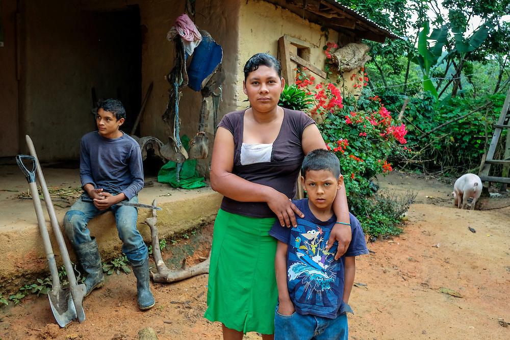 Community of Yumpali, Jalapa, Nueva Segovia - Nicaragua 10-2014<br /> Photography by Aaron Sosa<br /> <br /> Portraits of Mrs. Ruth Nohemi Jimenez<br /> Association of Women against Violence of Jalapa Oyanka.