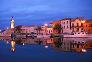 France, Languedoc Roussillon, Gard, Le Grau du Roi, le port de nuit