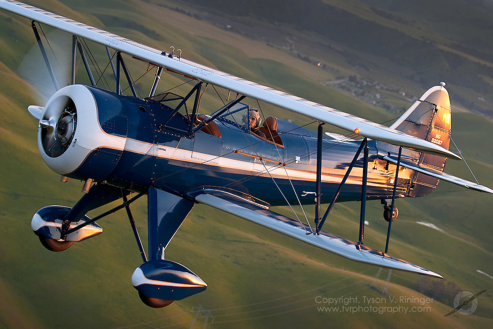 Lonnie Autry, Jr. flies a 1941 Waco UPF-7 NC32027 near Hollister, California.