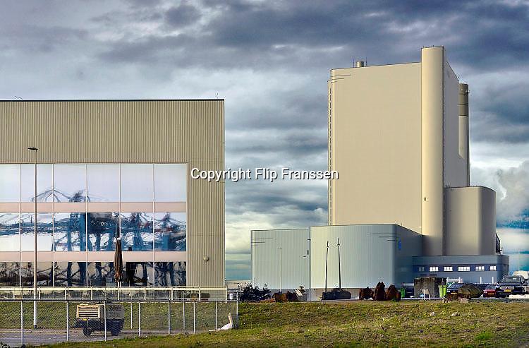Nederland, Rotterdam, 12-5-2017 Moderne elektriciteitscentrale van Eon, E-on. Kolencentrale, co2 uitstoot, kolen, kolengestookte, op de Maasvlakte. the new land. Foto: Flip Franssen