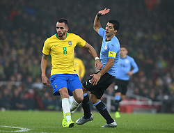 November 16, 2018 - London, England, United Kingdom - London, England - November 16, 2018.L-R Renato Augusto of Brazil  and Luis Suarez of Uruguay .during Chevrolet Brazil Global Tour International Friendly between Brazil and Uruguay at Emirates stadium , Arsenal Football Club, England on 16 Nov 2018. (Credit Image: © Action Foto Sport/NurPhoto via ZUMA Press)