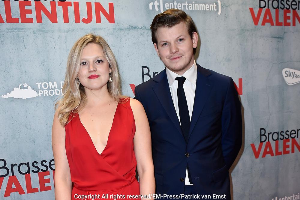 Premiere van de romantische komedie Brasserie Valentijn in Pathe Tuschibnski, Amsterdam.<br /> <br /> Op de foto:   Jip van Dool en Tine Cartuyvels