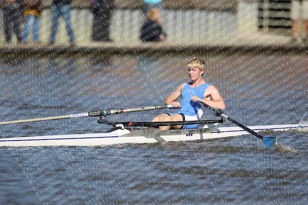 29.09.2012. Wallingford Long Distance Sculls 2012, The River Thames. Division 1. J17A 1x. Hinksey Sculling School.