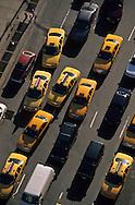 New York . elevated view on height avenue.  traffic in Midtown , /  la huitieme avenue vue d en haut, Midtown ,  building.
