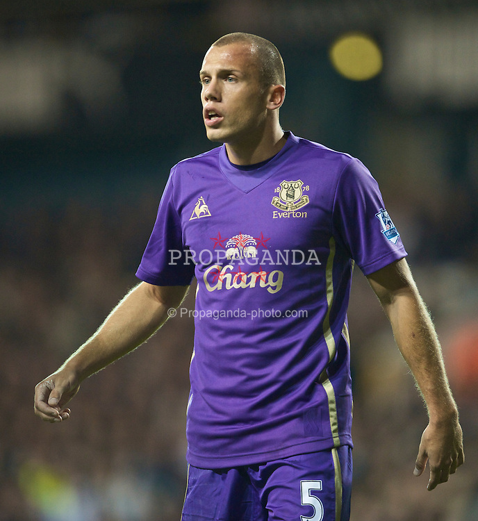 LONDON, ENGLAND - Tuesday, October 27, 2009: Everton's John Heitinga in action against Tottenham Hotspur during the League Cup 4th Round match at White Hart Lane. (Photo by David Rawcliffe/Propaganda)