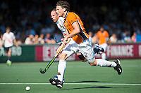 AMSTELVEEN -  HOCKEY -  Bob de Voogd van OZ.  Beslissende finalewedstrijd om het Nederlands kampioenschap hockey tussen de mannen van Amsterdam en Oranje Zwart (2-3). COPYRIGHT KOEN SUYK