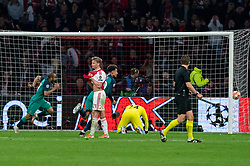 08-05-2019 NED: Semi Final Champions League AFC Ajax - Tottenham Hotspur, Amsterdam<br /> After a dramatic ending, Ajax has not been able to reach the final of the Champions League. In the final second Tottenham Hotspur scored 3-2 / Frenkie de Jong #21 of Ajax, Andre Onana #24 of Ajax, Lucas #27 of Tottenham Hotspur scores 3-2