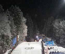 06.01.2012, Paul Ausserleitner Schanze, Bischofshofen, AUT, 60. Vierschanzentournee, FIS Ski Sprung Weltcup, 1. Wertungssprung, im Bild feature vom Schneefall wärend des springens // feature of showfall during 1st Round of 60th Four-Hills-Tournament FIS World Cup Ski Jumping at Paul Ausserleitner Schanze, Bischofshofen, Austria on 2012/01/06. EXPA Pictures © 2012, PhotoCredit: EXPA/ Johann Groder