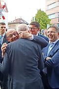 Mannheim. 19.09.17 | SPD-Kanzlerkandidat Martin Schulz im Capitol Mannheim.<br /> Im Wahlkampf zur Bundestagswahl unterstützt Kanzlerkandidat Martin Schulz Mannheims SPD Bundestagsabgeordneter Stefan Rebmann.<br /> - Martin Schulz wird bei der Ankunft begrüßt. Martin Schulz mit Peter Simon.<br /> <br /> BILD- ID 2421 |<br /> Bild: Markus Prosswitz 19SEP17 / masterpress (Bild ist honorarpflichtig - No Model Release!)