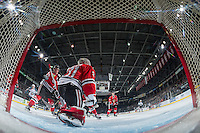 KELOWNA, CANADA - JANUARY 21: Cole Kehler #31 of the Portland Winterhawks misses a save against the Kelowna Rockets on January 21, 2017 at Prospera Place in Kelowna, British Columbia, Canada.  (Photo by Marissa Baecker/Shoot the Breeze)  *** Local Caption ***