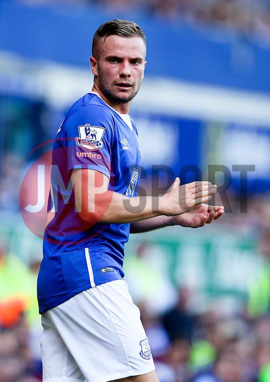 Everton's Tom Cleverley  - Mandatory byline: Matt McNulty/JMP - 07966386802 - 08/08/2015 - FOOTBALL - Goodison Park -Liverpool,England - Everton v Watford - Barclays Premier League