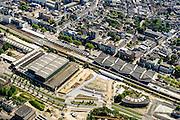 Nederland, Noord-Brabant, Gemeente Tilburg, 23-08-2016; station Tilburg met omgeving, waaronder spoorzone013 (voormalige NS Werkplaats), Stationspassage en de Willem II passage.<br /> Tilburg central station and former rail workshop.<br /> luchtfoto (toeslag op standard tarieven);<br /> aerial photo (additional fee required);<br /> copyright foto/photo Siebe Swart