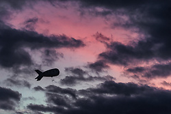 02.03.2019, Seefeld, AUT, FIS Weltmeisterschaften Ski Nordisch, Seefeld 2019, Skisprung, Mixed Team Bewerb, im Bild ein Zeppelin am Abendhimmel über Seefeld // a zeppelin in the evening sky above Seefeld during the mixed team competition in ski jumping of nordic combination of FIS Nordic Ski World Championships 2019. Seefeld, Austria on 2019/03/02. EXPA Pictures © 2019, PhotoCredit: EXPA/ JFK