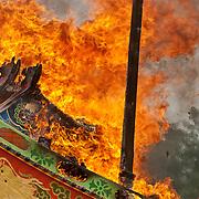 Shansi Gong's boat burning, April 12th 2002
