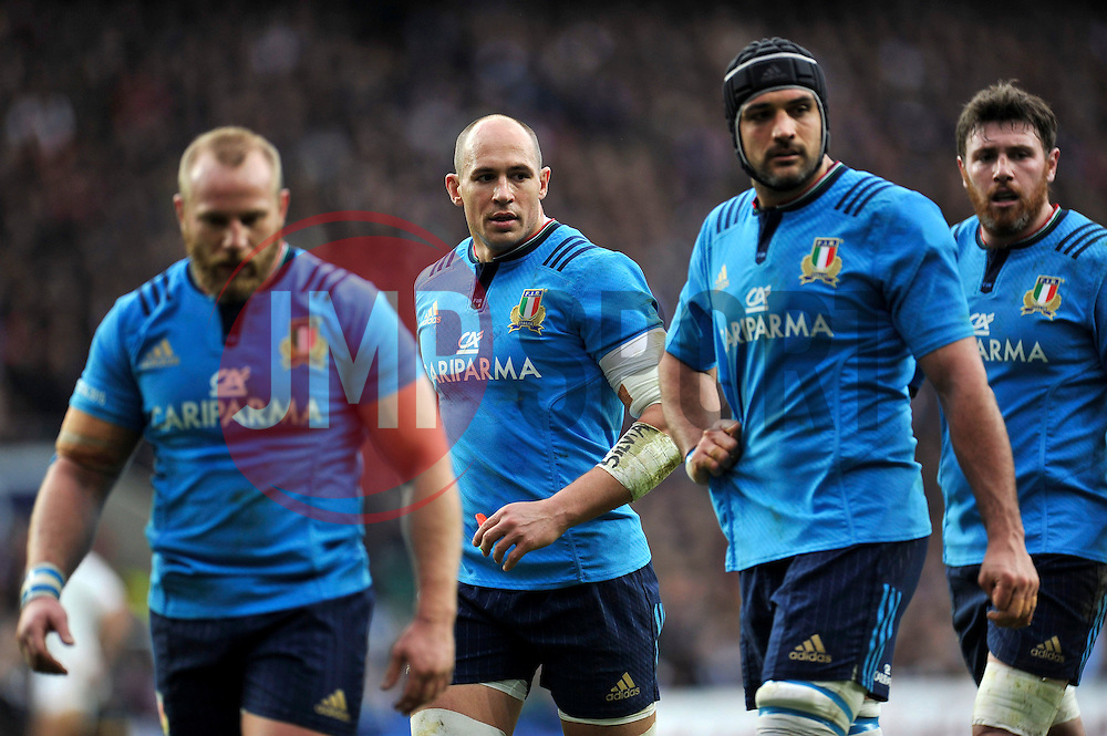 Sergio Parisse of Italy and other forwards look on - Photo mandatory by-line: Patrick Khachfe/JMP - Mobile: 07966 386802 14/02/2015 - SPORT - RUGBY UNION - London - Twickenham Stadium - England v Italy - Six Nations Championship