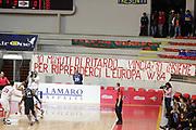 DESCRIZIONE : Roma Uleb Cup 2005-06 Lottomatica Virtus Roma Deutsche Bank Skyliners<br /> GIOCATORE : Tifosi Curva Supporter Fan Tifo<br /> SQUADRA : Lottomatica Virtus Roma <br /> EVENTO : Uleb Cup 2005-2006<br /> GARA : Lottomatica Virtus Roma Deutsche Bank Skyliners<br /> DATA : 13/12/2005<br /> CATEGORIA : <br /> SPORT : Pallacanestro<br /> AUTORE : Agenzia Ciamillo&Castoria/E.Castoria<br /> Galleria : Uleb Cup 2005-2006<br /> Fotonotizia : Roma Uleb Cup 2005-06 Lottomatica Virtus Roma Deutsche Bank Skyliners<br /> Predefinita :