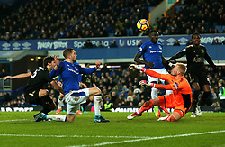 Gylfi Sigurdsson of Everton has a shot saved by Kasper Schmeichel of Leicester City - Mandatory by-line: Robbie Stephenson/JMP - 31/01/2018 - FOOTBALL - Goodison Park - Liverpool, England - Everton v Leicester City - Premier League