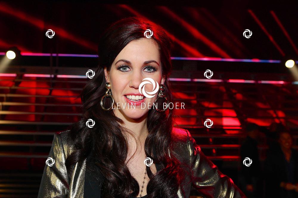 HILVERSUM - In studio 22 is de eerste liveshow van The Voice of Holland gehouden. Met hier op de foto  zangeres Gerrie Dantuma. FOTO LEVIN DEN BOER - PERSFOTO.NU