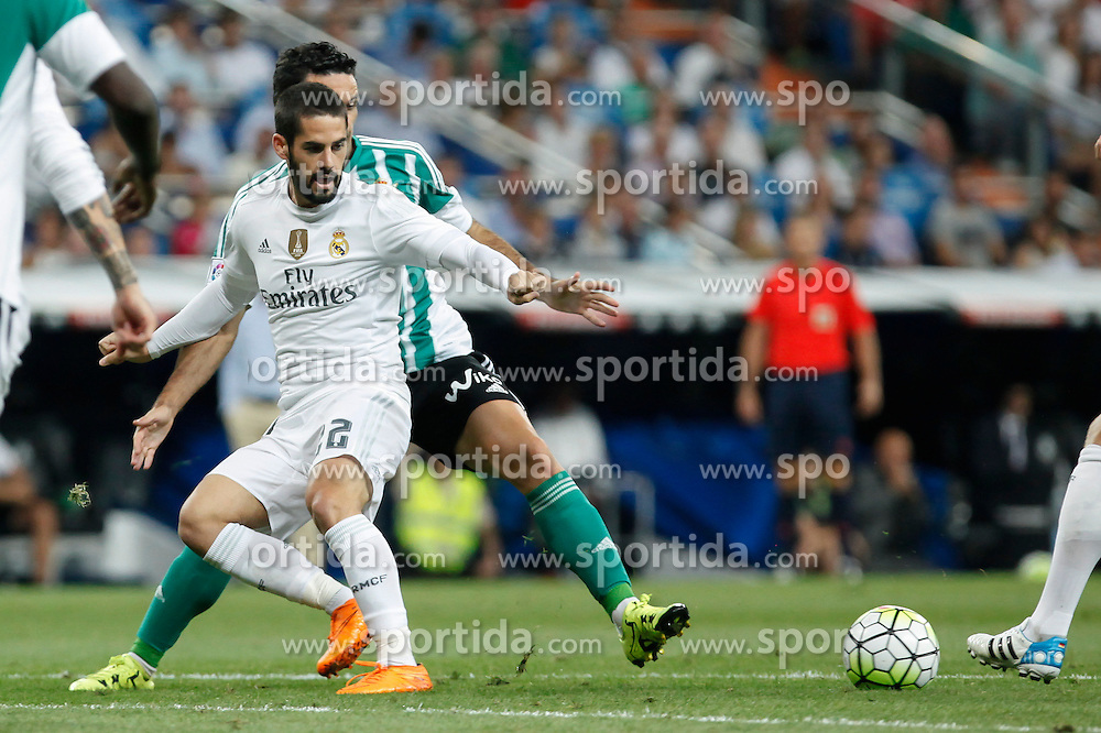 29.08.2015, Estadio Santiago Bernabeu, Madrid, ESP, Primera Division, Real Madrid vs Real Betis, 2. Runde, im Bild Real Madrid&acute;s Isco // during the Spanish Primera Division 2nd round match between Real Madrid and Real Betis at the Estadio Santiago Bernabeu in Madrid, Spain on 2015/08/29. EXPA Pictures &copy; 2015, PhotoCredit: EXPA/ Alterphotos/ Victor Blanco<br /> <br /> *****ATTENTION - OUT of ESP, SUI*****