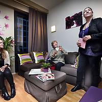 Nederland, Amsterdam , 9 december 2014.<br /> Bezichtiging en bewondering tijdens de opening van een familiekamer in de Nieuwe Valerius van GGZinGeest.<br /> Foto:Jean-Pierre Jans