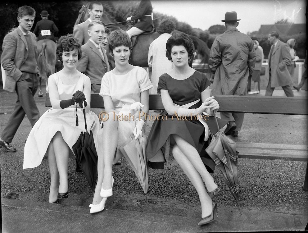 Fashion models at the Dublin Horse Show at the RHS..08.08.1961