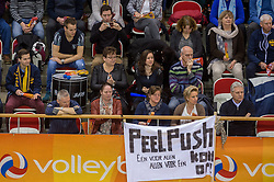 20-02-2015 NED: Landstede Volleybal - Peelpush, Almere<br /> Landstede verslaat in de halve finale Peelpush met 3-0 / Publiek support Peelpush