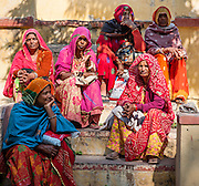 Indian women in colorful saris in Bundi (India)