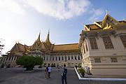 Phnom Penh, Cambodia. Royal Palace. Throne Hall (Preah Thineang Dheva Vinnichay Mohai Moha Prasat), Hor Samrith Phimean (r.)