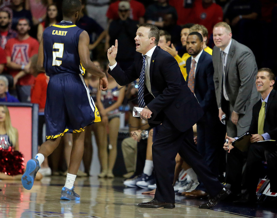 Northern Colorado head coach Jeff Linder during the second half of an NCAA college basketball game against Arizona, Monday, Nov. 21, 2016, in Tucson, Ariz. Arizona defeated Northern Colorado 71-55. (AP Photo/Rick Scuteri)