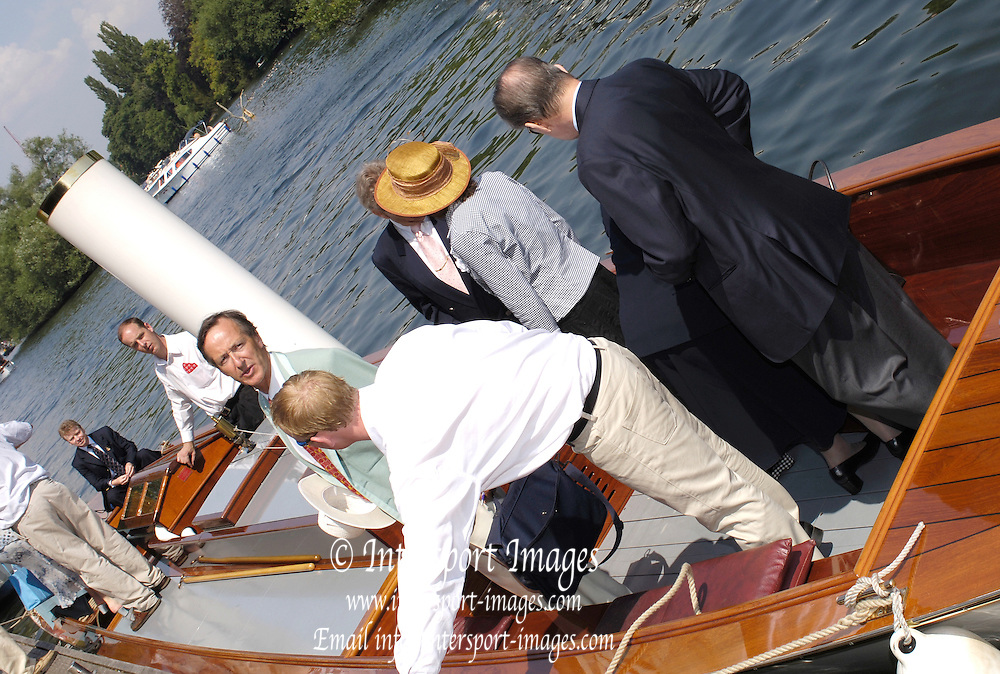 River and Rowing Museum, Henley-on-Thames, ENGLAND, 02.07.2006. IOC president [Dr Jacques Rogge], visit to RRM. Photo  Peter Spurrier/Intersport Images email images@intersport-images.com... Henley Royal Regatta, Rowing Courses, Henley Reach, Henley, ENGLAND [Mandatory credit; Peter Spurrier/Intersport Images] 2006 . HRR.