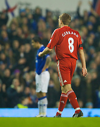 LIVERPOOL, ENGLAND - Wednesday, February 4, 2009: Liverpool's captain Steven Gerrard MBE limps off with a hamstring injury as he is substituted after only sixteen minuets during the FA Cup 4th Round Replay match against Everton at Goodison Park. (Mandatory credit: David Rawcliffe/Propaganda)