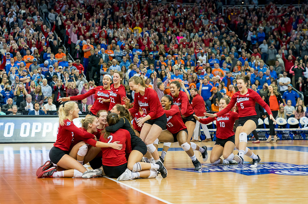 during a 3-1 win over Florida to win the NCAA National Championship at the Sprint Center in Kansas City on Saturday, Dec. 16, 2017. Photo by Aaron Babcock, Hail Varsity