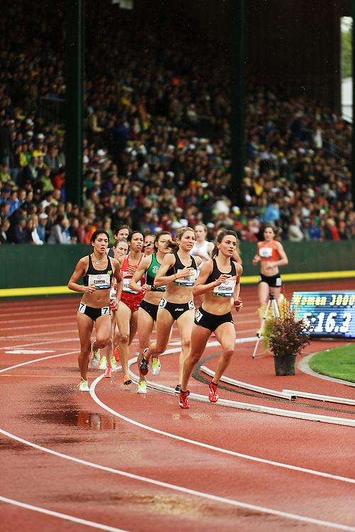 women's 3000 steeplechase Higginson leads pack