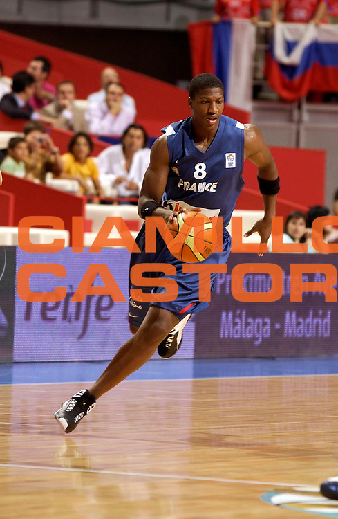 DESCRIZIONE : Madrid Spagna Spain Eurobasket Men 2007 Quarter Final Quarti di Finale Russia France Russia Francia <br /> GIOCATORE : Yakhouba Diawara<br /> SQUADRA : Francia France<br /> EVENTO : Eurobasket Men 2007 Campionati Europei Uomini 2007 <br /> GARA : Russia France Russia Francia <br /> DATA : 13/09/2007 <br /> CATEGORIA : Palleggio<br /> SPORT : Pallacanestro <br /> AUTORE : Ciamillo&amp;Castoria/JF.Molliere<br /> Galleria : Eurobasket Men 2007 <br /> Fotonotizia : Madrid Spagna Spain Eurobasket Men 2007 Quarter Final Quarti di Finale Russia France Russia Francia <br /> Predefinita :