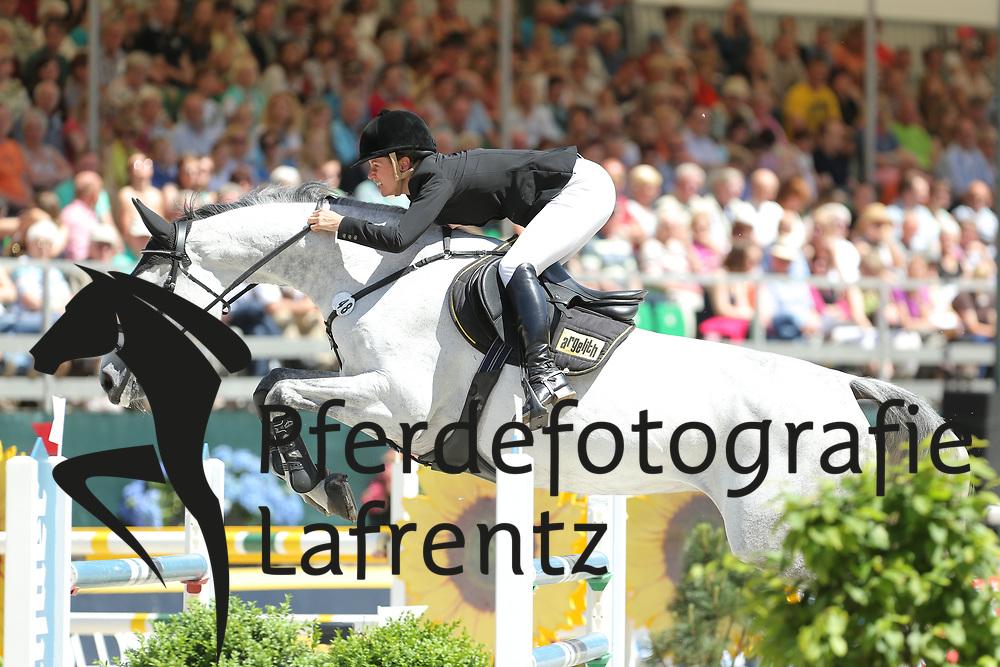 Bitter, Eva, Caresse<br /> Nörten-Hardenberg - Burgturnier<br /> Grosser Preis<br /> © www.sportfotos-lafrentz.de/ Stefan Lafrentz